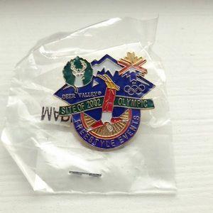 Vintage 2002 Deer Valley Winter Olympics ski pin